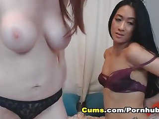 Hot Babes Eating and Licking Each Others Pussy